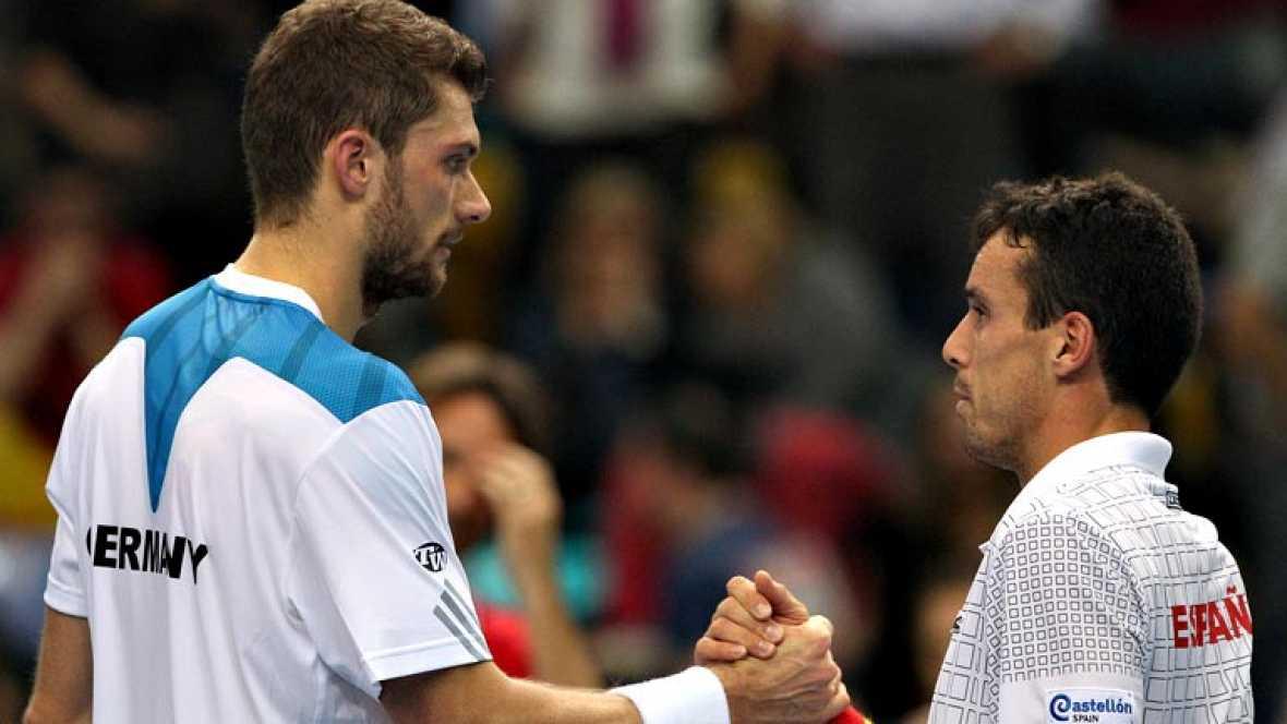 El tenista Roberto Bautista ha caído este domingo en el último  partido de la primera ronda de la Copa Davis ante Daniel Brands  (7-6(5), 6-4), por lo que Alemania logra el pase y condena a España  (4-1), que sólo se impuso en el cuarto duelo por la