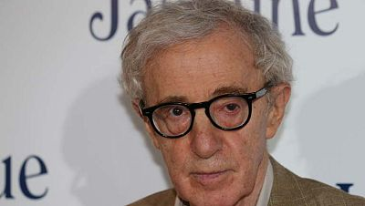 La hija adoptiva de Woody Allen le denuncia por abusos sexuales
