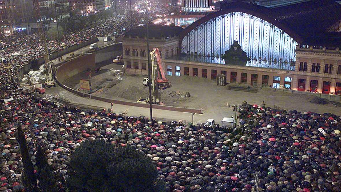 Informe Semanal - 11-M, Madrid bajo el terror: la respuesta ciudadana de condena