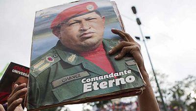Venezuela conmemora el primer aniversario de la muerte de Hugo Chávez con una manifestación