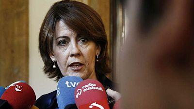El parlamento de Navarra pide la dimisión de la presidenta, Yolanda Barcina