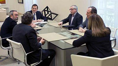 """Rajoy se compromete con los agentes sociales a impulsar """"una nueva etapa"""" de diálogo social"""