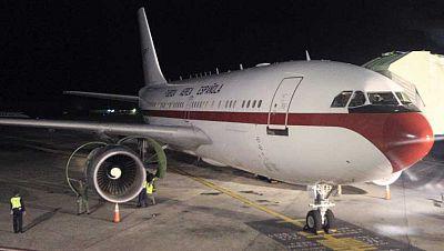 El avión de la reina aterriza en Torrejón tras la avería sufrida en República Dominicana
