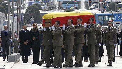 El féretro de Adolfo Suárez llega al Congreso de los Diputados