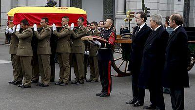 Honores militares para el hombre de Estado que nos devolvió la democracia