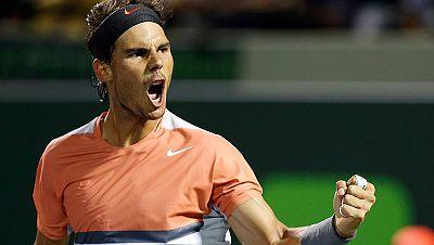 Rafa Nadal ha alcanzado los cuartos de final del Masters de Miami al derrotar con facilidad al italiano Fognini por un doble 6-2.