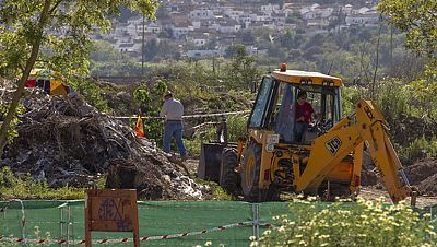 La Policía halla restos óseos en la escombrera de Camas en la que buscan a Marta del Castillo