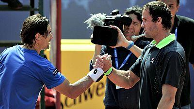 El Torneo Conde de Godó ha vivido la sorpresa de la jornada este miércoles con la pérdida del segundo cabeza de serie, el español David Ferrer, frente al ruso Teymuraz Gabashvili por 6-4 y 6-2 en una hora y 20 minutos.