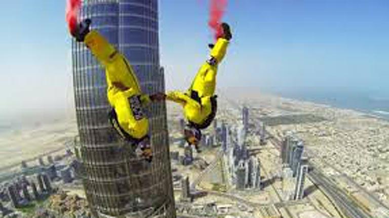 para todos los pblicos rcord mundial de salto base desde el edificio ms alto del mundo reproducir video