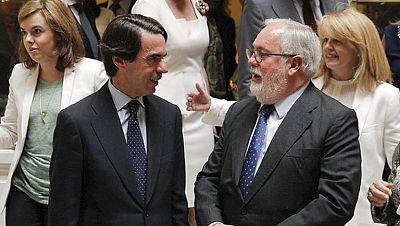 Aznar acompaña a Arias Cañete en su último acto de precampaña
