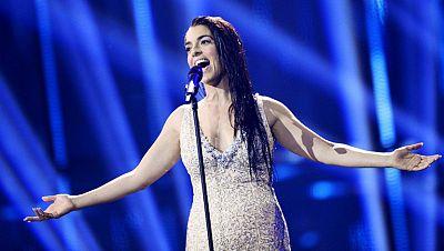 "Ruth Lorenzo canta ""Dancing in the rain"" en representaci�n de Espa�a"