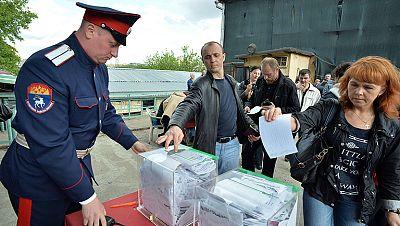 Ucrania, pendiente del resultado del referéndum separatista