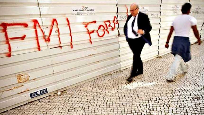 El titular de Finanzas portugués en 2011 admite que forzó la petición del rescate del país