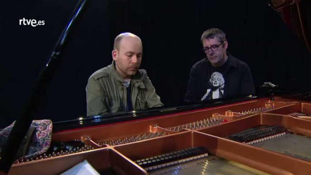 Atención obras - El pianista Miguel Baselga y Máximo Pradera