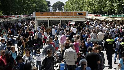 Segundo día de la Feria del Libro de Madrid