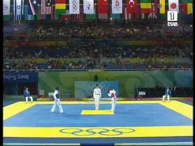 El taekwondista Juan Antonio Ramos pasa a cuartos tras vencer al beliceño Alfonso Martínez por 2-1.