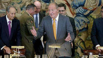 Con su última firma don Juan Carlos dejará de ser rey
