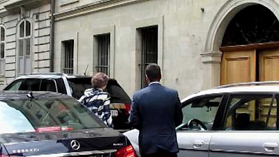 Doña Sofía visita a la infanta Cristina en su domicilio de Ginebra