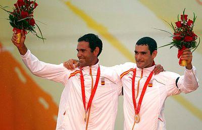Echávarri y Paz en la entrega del oro que han ganado en la modalidad de Tornado en la competición de vela.