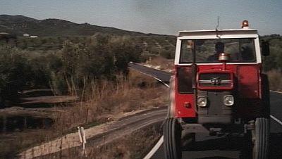 'El Rayo', un viaje en tractor desde la Mancha hasta Marruecos
