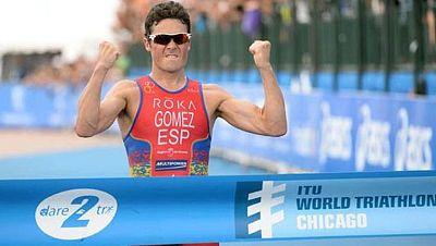 Javier Gómez Noya está más cerca de ganar las series mundiales de triatlón. Se ha llevado el triunfo en la prueba de Chicago, lleva cuatro victorias de cinco y es más líder del campeonato. La gran actuación española la han completado Mario Mola, terc