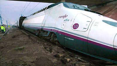 Las fuertes lluvias hunden las vías de un tren Madrid-Alicante sin causar heridos