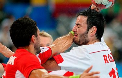 La selección de Juan Carlos Pastor ha caído con Islandia y tendrá que luchar por la medalla de bronce.