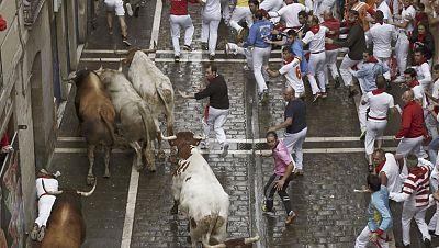 El sexto encierro de los sanfermines 2014 ha sido limpio y r�pido con los toros de Fuente Ymbro