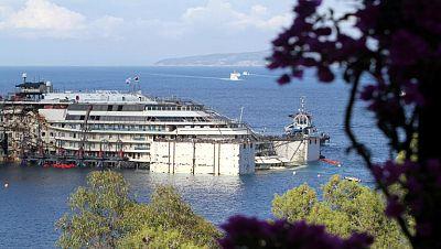 Comienza el reflote del crucero Costa Concordia dos años y medio después del naufragio