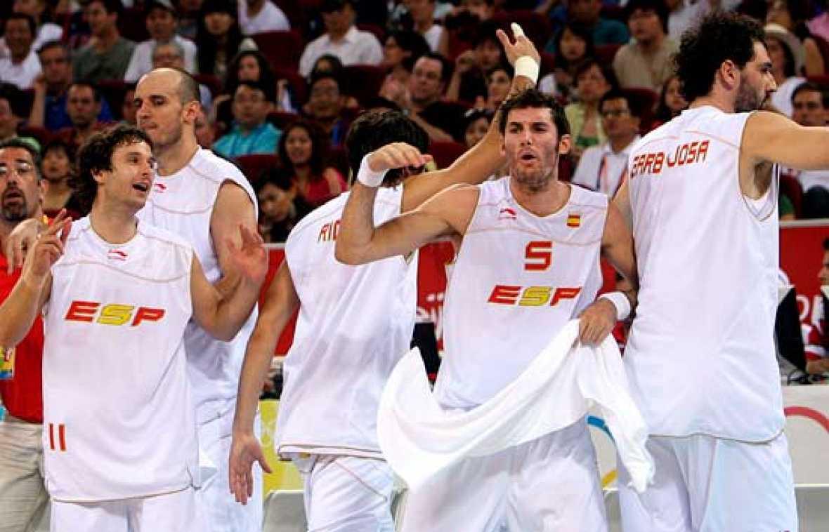 España roza el oro en la final de baloncesto