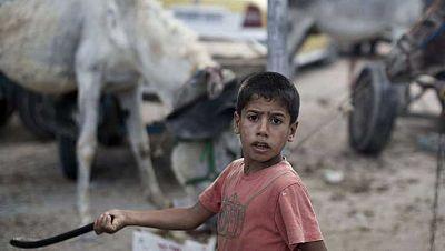 Casi dos millones de gazatíes se enfrentan a otra noche infernal