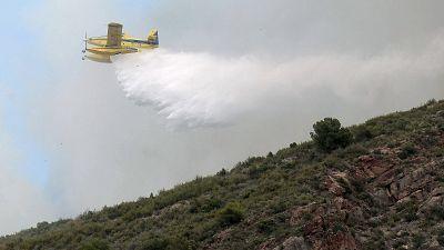 Los evacuados vuelven a sus casas tras la estabilización del incendio de la Vall d'Uixó