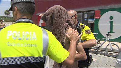Con el verano aumenta la presión de la policía para perseguir hurtos y actuaciones irregulares en las playas