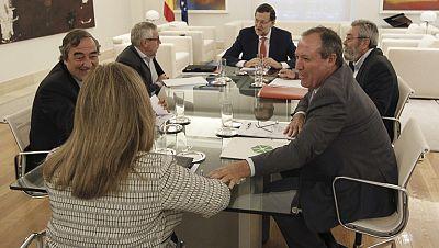 Gobierno y agentes sociales se comprometen a poner en marcha un plan de empleo este año