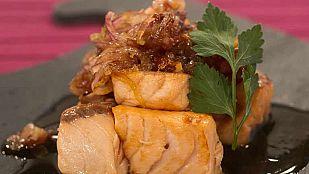 Tacos de salmón con chalotas a la miel