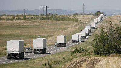 Varios camiones con ayuda humanitaria llegan a la frontera con Ucrania