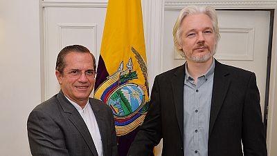 """Assange dice que saldrá """"pronto"""" de la embajada ecuatoriana"""