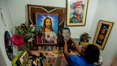 Polémica en Venezuela por el Padre Nuestro a Chávez