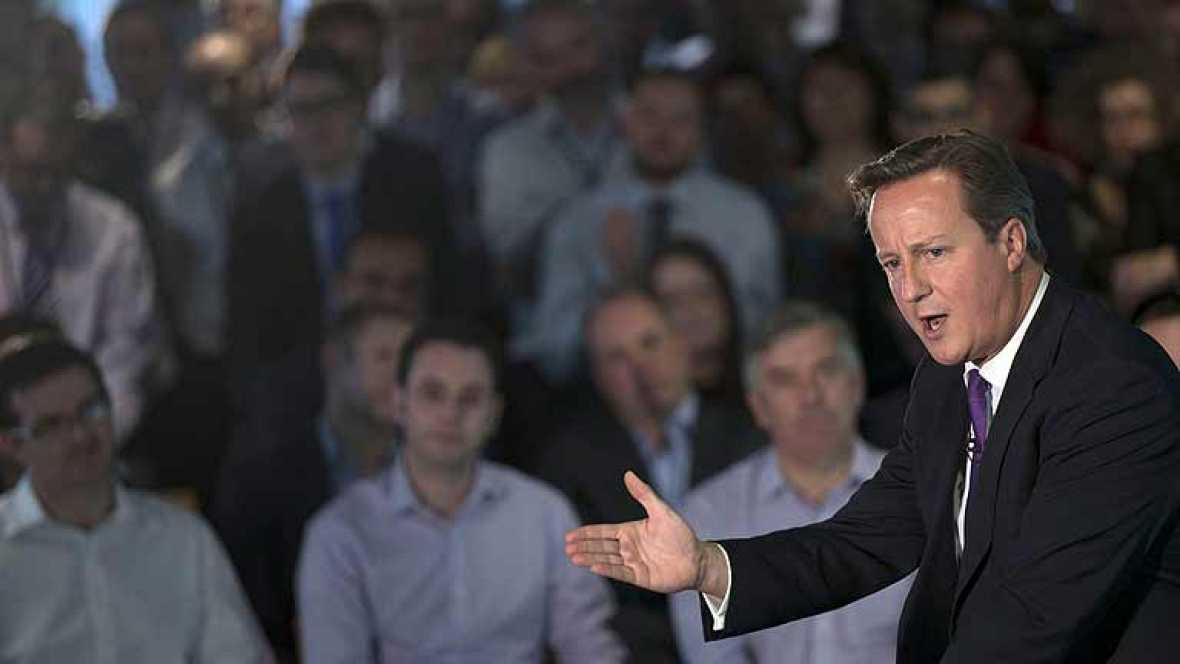 Los líderes británicos más importantes apoyan en Escocia la campaña del NO a la independencia