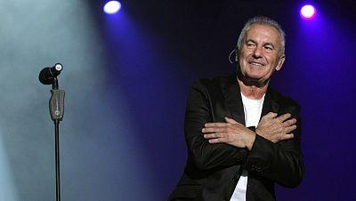 Víctor Manuel ofrece en Oviedo un recital por su medio siglo sobre los escenarios