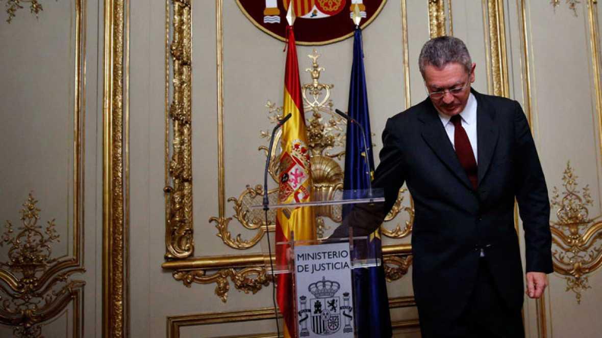Gallardón anuncia su dimisión como ministro de Justicia tras la retirada de la reforma de la ley del aborto