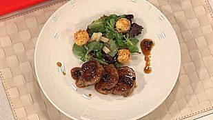 Cocina con Sergio - Solomillo con ensalada de uvas y queso