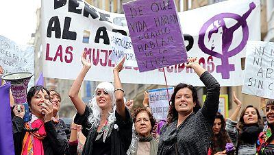 Numerosas manifestaciones defendiendo la legislación actual sobre la Ley del Aborto