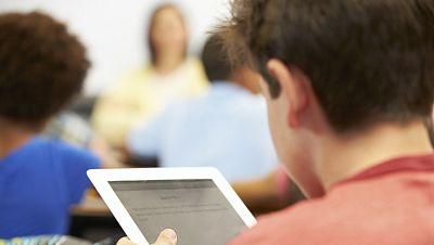 Las tabletas empiezan a desplazar al libro de texto tradicional en las aulas