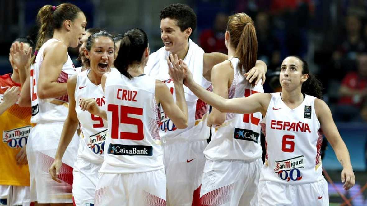 La selección española de baloncesto se clasificó, por primera vez en su historia, para la final del Mundial femenino al derrotar a la anfitriona Turquía por 66-56, con una Alba Torrens excepcional que acabó con el 'infierno' de las gradas del Fenerba