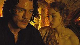 La verdadera historia de amor de Luke Evans y Sarah Gadon en 'Drácula, la leyenda jamás contada'