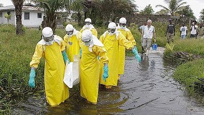 La crisis del ébola desborda el ámbito sanitario en África