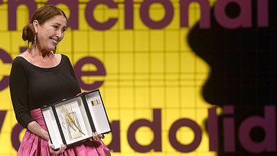 Verónica Forqué y Bong Joon Ho reciben las Espigas de Honor en Valladolid