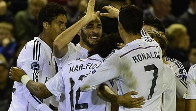 El Real Madrid conquistó Anfield con un partido fantástico en el que brillaron Cristiano Ronaldo y Benzema, autores de los tres goles del partido. El portugués abrió el marcador y el francés firmó un doblete.