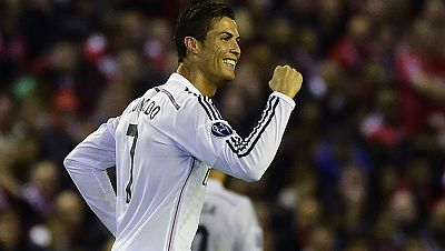 Los aficionados que son capaces de disfrutar del futbol mas allá de los colores se frotan las manos. Después de ver el martes al Barça y anoche al Real Madrid el clásico del sábado puede ser un monumento al futbol. En el temido Anfield, donde nunca h